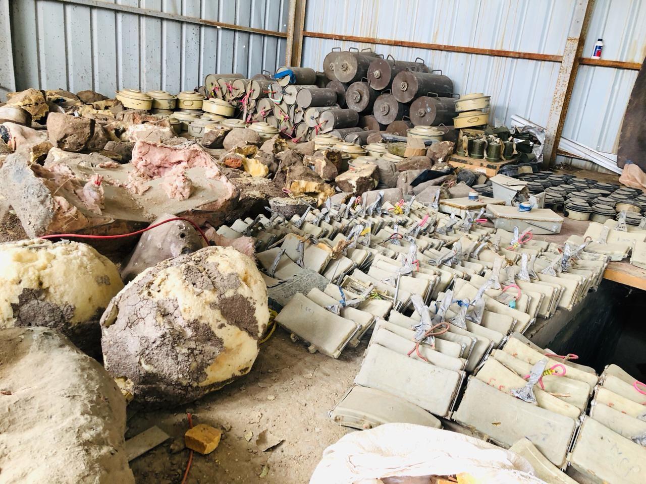 صعدة.. الجيش الوطني يتلف 430 لغما وعبوة ناسفة في باقم